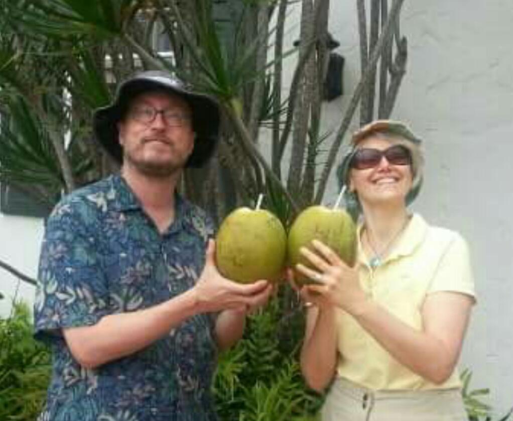 Hawaiian Hosts